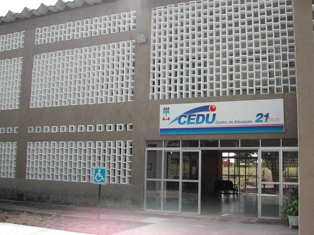 Frente do prédio 2